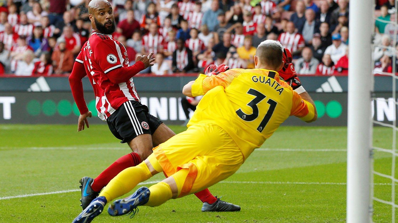 Vicente Guiata save McGoldrick Sheff United.jpg