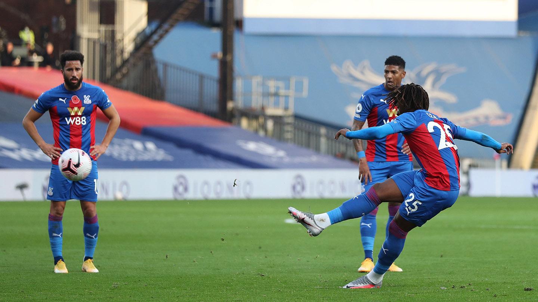 Eberechi Eze free-kick v Leeds United.jpg