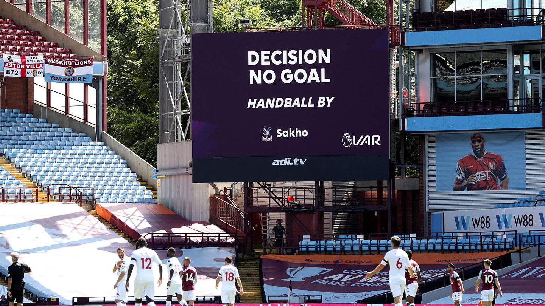 Mamadou Sakho disallowed goal v Villa.jpg