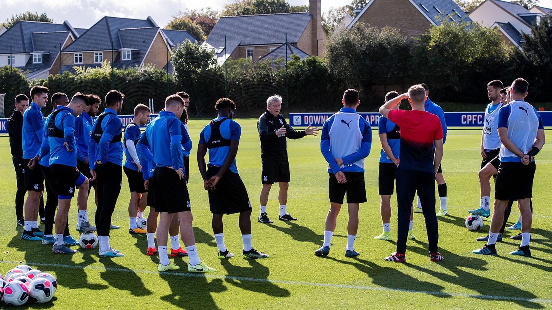 10 Hodgson team talk.jpg