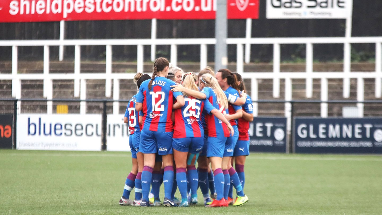Palace Women team celebration v Coventry United .jpg