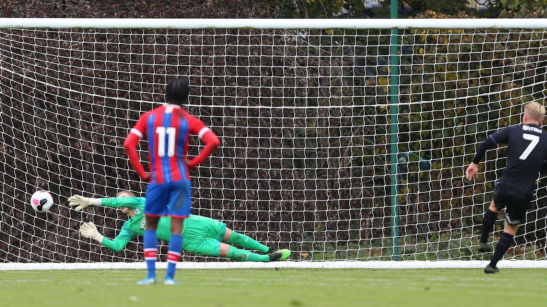 Charlton penalty.jpg