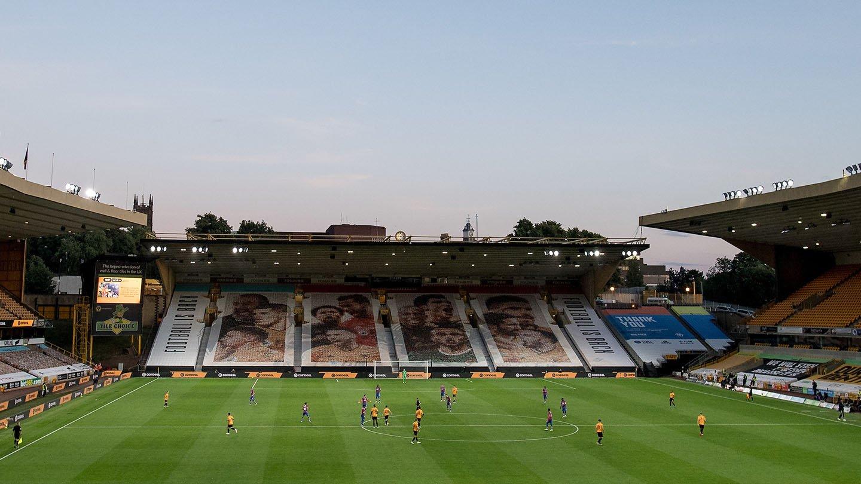 Palace v Wolves 19-20 Molineux 04.jpg