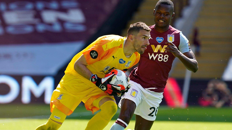 Guaita holds ball v Aston Villa Samatta.jpg