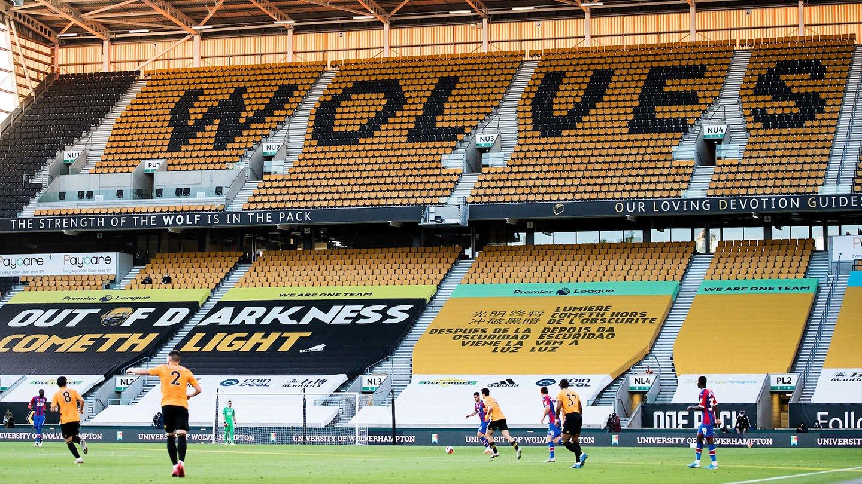 Palace v Wolves 19-20 Molineux 01.jpg