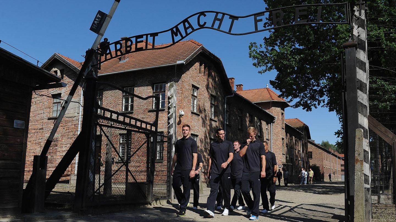 Butland Auschwitz 02.jpg