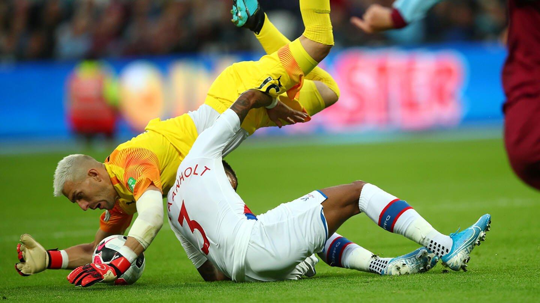 Guaita Van Aanholt West Ham (1).jpg
