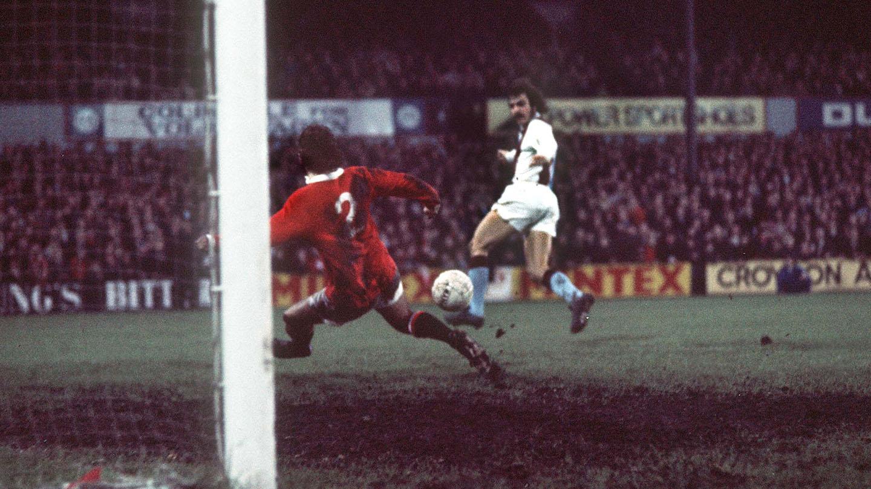 Palace v United 1972 02 Rogers goal.jpg