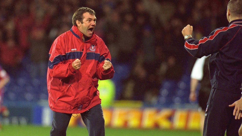 Ray Houghton Palace coach.jpg
