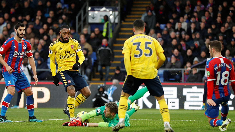 Guaita save Arsenal.jpg