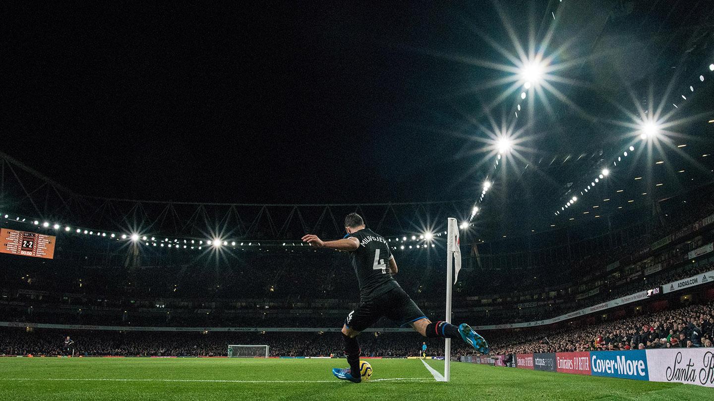 Luka corner Arsenal.jpg
